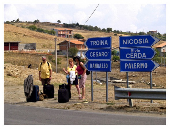 Waiting on a bus from cerami to catania, ©john millar/Flickr
