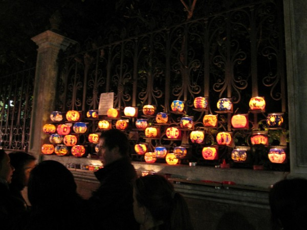 Halloween lights in Venice. ©InSapphoWeTrust/Flickr